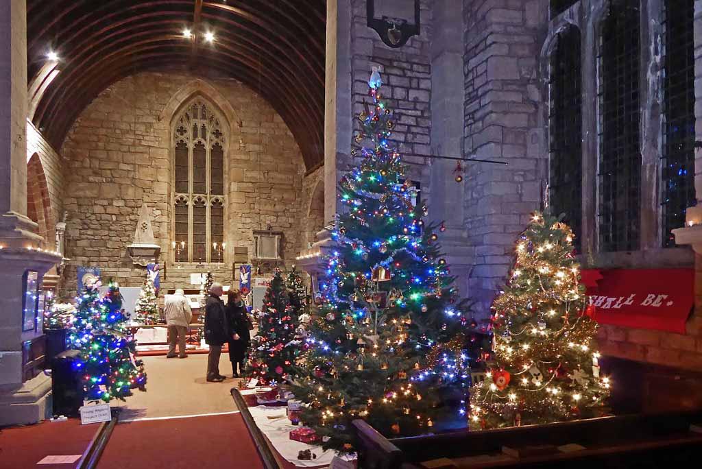 Singing Christmas Tree 2019.Christmas Tree Festival 2019 St Mary S Church Newent